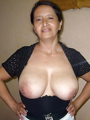 porn pics of mature natural tits