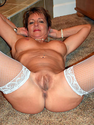 naked single mature ladies