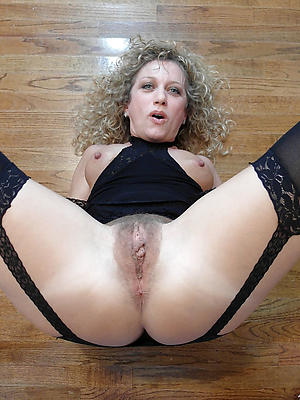 naughty hairy mature vagina porn pictures