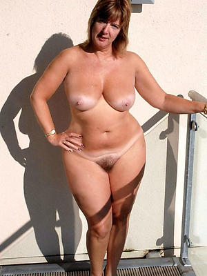 naught mature wife outdoors porn gallery