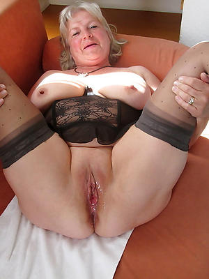 beauties naked mature tight pussy pics