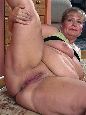 beautiful mature vulva naked pictures