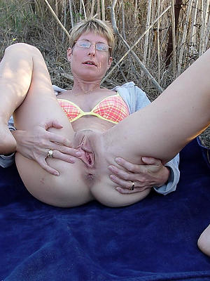 nasty mature vulva divest images