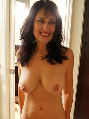 fantastic mature brunette pussy xxx