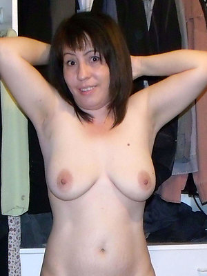 porn pics of mature brunette pussy