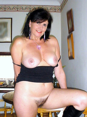 mature brunette milf have a crush on porn
