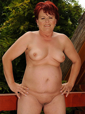 gorgeous chubby mature blonde