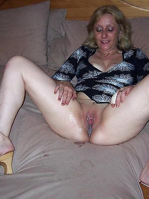 mature creampie pussy posing unfold
