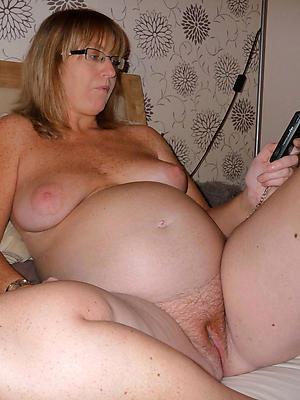 beautiful well-spoken mature homemade porn