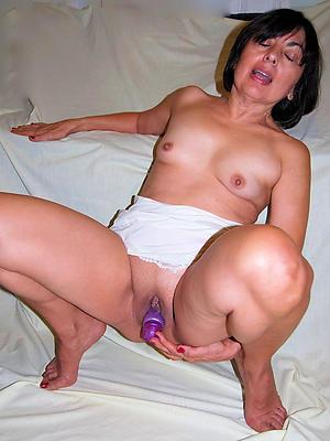 xxx Bohemian unwed mature women homemade porn pics