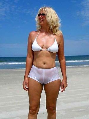 mature bikini babes defoliate