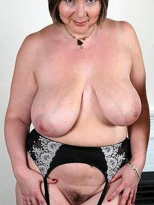 super-sexy natural mature woman