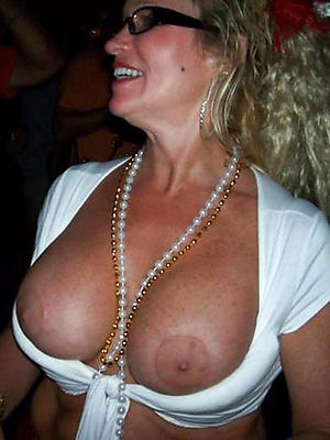 nonconformist matured mom titties homemade porn