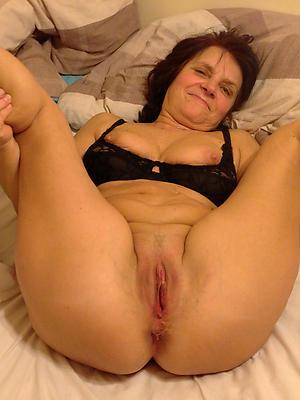 older mature women unshod
