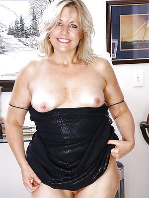 gorgeous amateur mature bbw porn pics