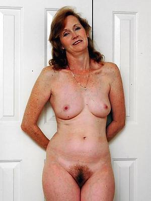 free pics of mature mom solo