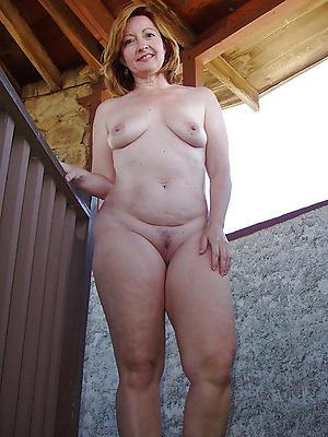 xxx mature women solo