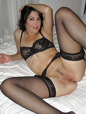 fantastic matured brunette pussy pics