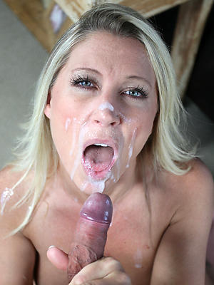 mature mom facial stripped