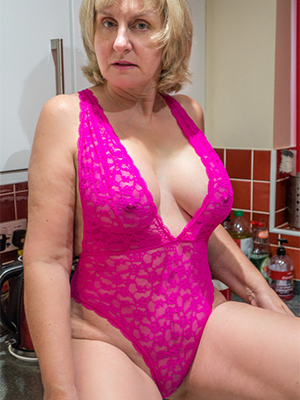 free pics of classic mature nudes