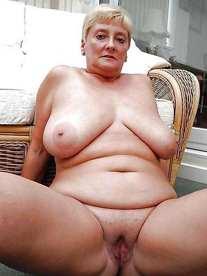 nude mature fat women undress