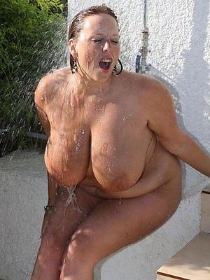 nonconforming mature women in shower sex pics