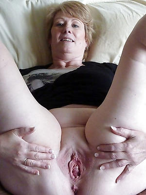 crazy mature puffy pussy