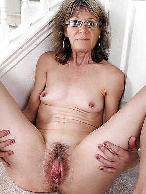 beautiful unshaved grown up pussy porn pics