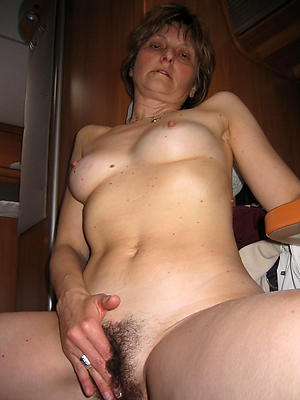 hotties unshaved mature pussy pictures
