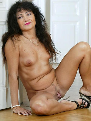 nasty mature beautiful ladies porn pics