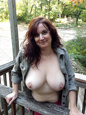 homemade mature over 40 posing nude