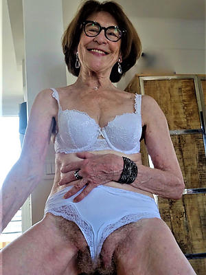 hotties grandmas undressed foto