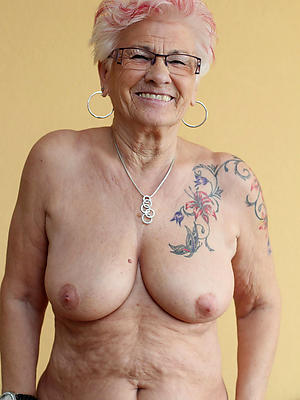xxx mature tattooed women pics