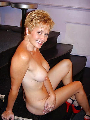mature nude model stripped