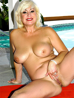 beautiful nude mature models homemade pics