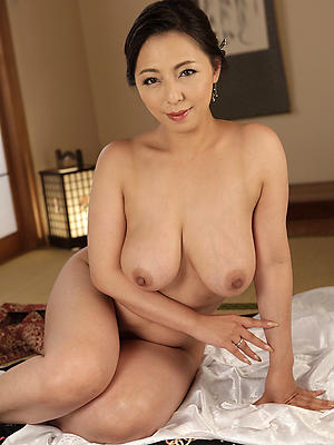 beautiful nude mature asian pictures