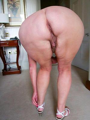 hotties nude mature big booty pics