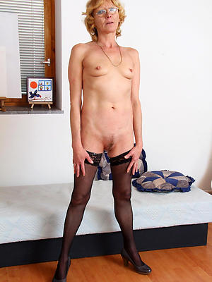 amateur skinny mature solo stripped
