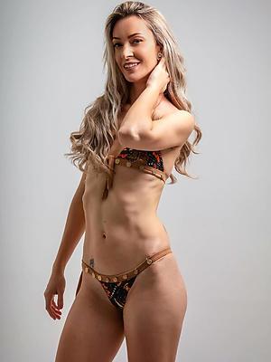 xxx free skinny mature milf bare-ass photo