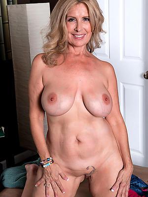 homemade best mature women stripped