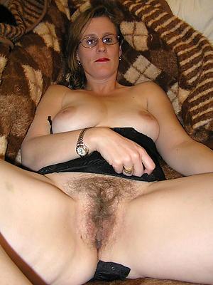 free mature cunt stripped