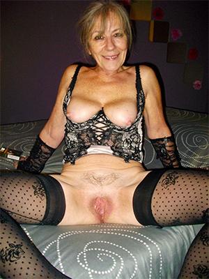slutty mature women cunts bungling porn pics