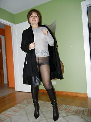 naught mature pantyhose wife pics