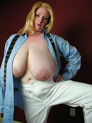 beauties nice mature tits nude pics