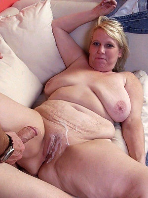 beautiful mature cumshots pics