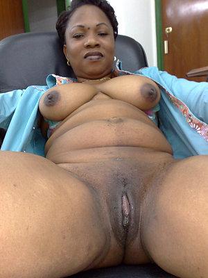 bonny ebony mature milf