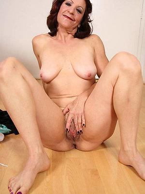 pretty mature feet stripped