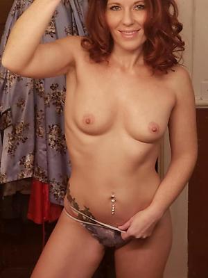free mobile mature posing nude