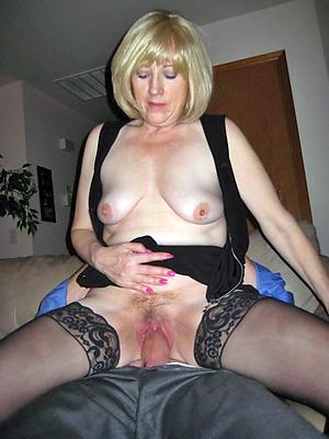 gorgeous matured moms sex pics