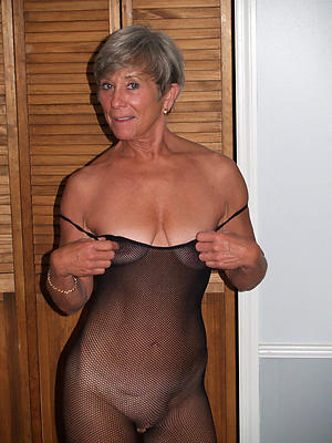 mature sizzling unshaded